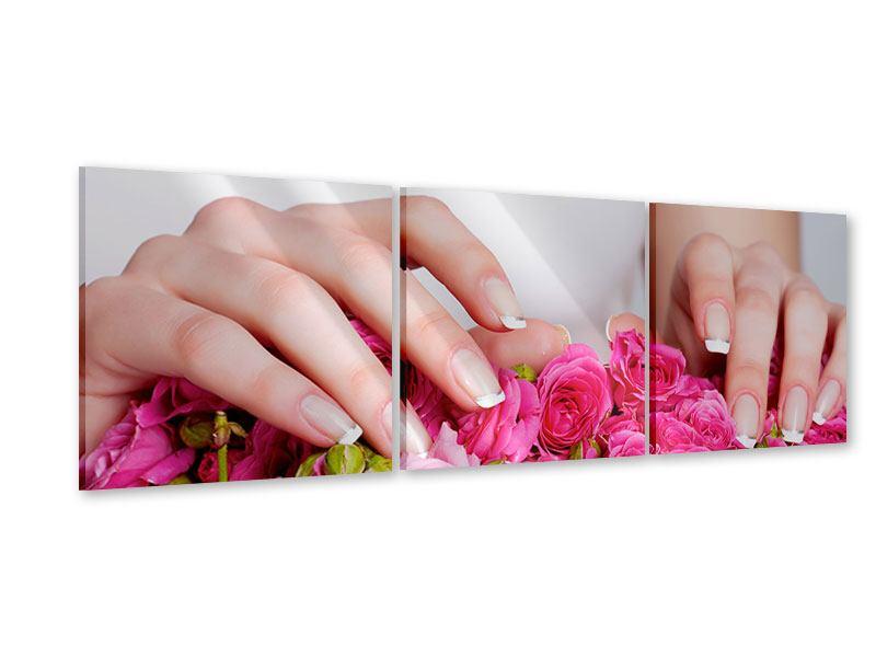 Panorama Acrylglasbild 3-teilig Hände auf Rosen gebettet