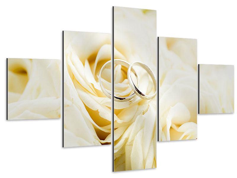 Aluminiumbild 5-teilig Trauringe auf Rosen gebettet