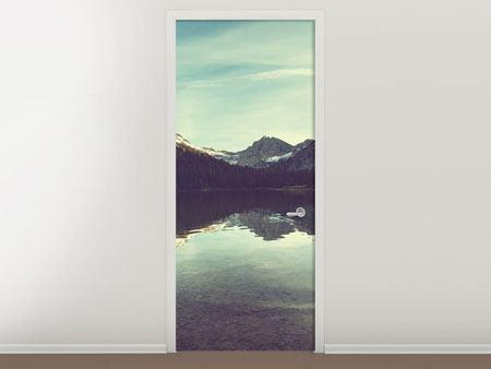 Türtapete Spiegelung im Bergsee