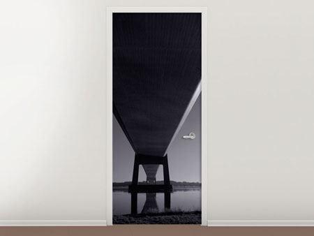 Türtapete Die Brücke über tiefes Wasser