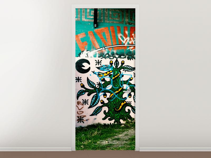 Türtapete Graffiti im Hinterhof