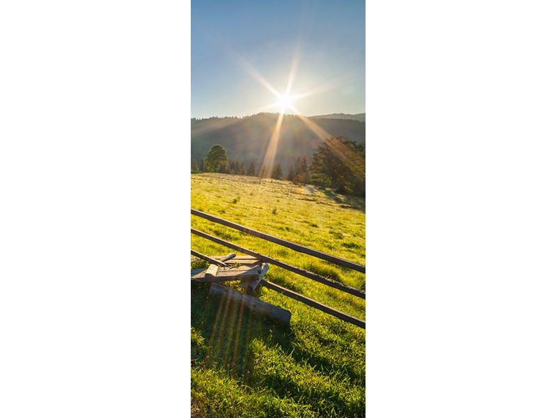 Türtapete Sonnenaufgang am Berg