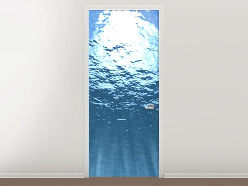 Türtapete Sonnenstrahlen unter Wasser