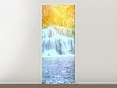 Türtapete Wasserfall im Licht