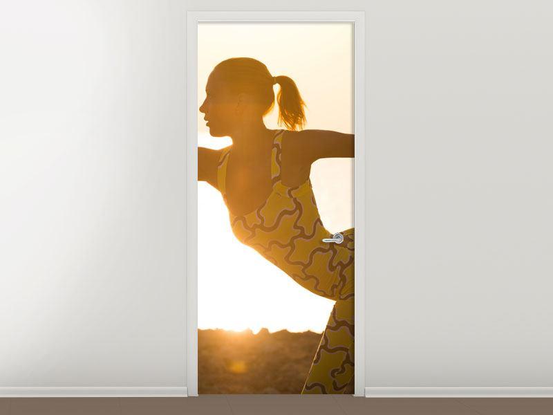 Türtapete Yoga bei Sonnenuntergang