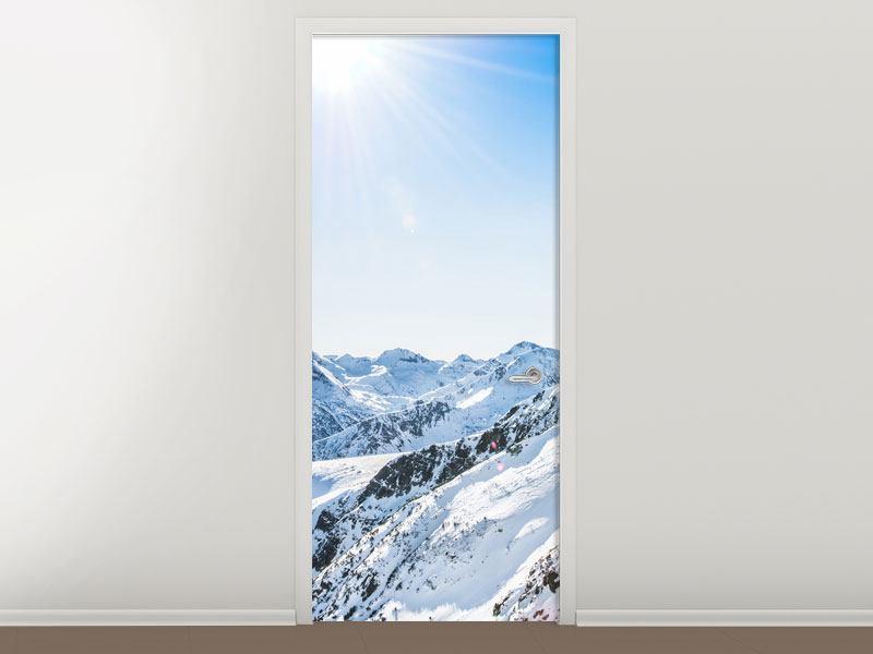 Türtapete Bergpanorama im Schnee