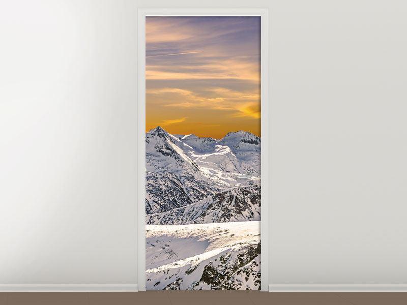 Türtapete Sonnenuntergang in den Bergen