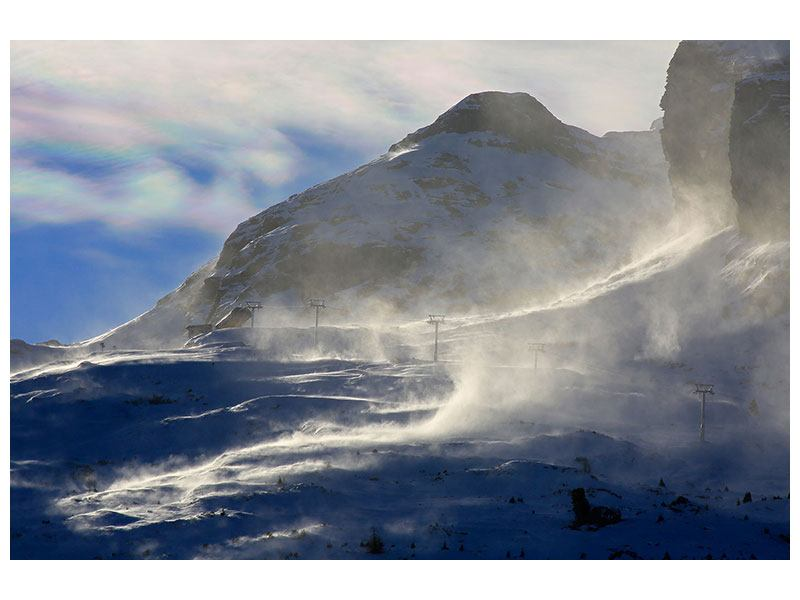 Hartschaumbild Mit Schneeverwehungen den Berg in Szene gesetzt
