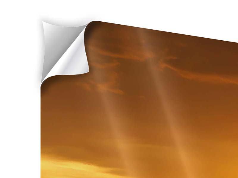 Klebeposter Panorama Glühender Sonnenuntergang am Wasser