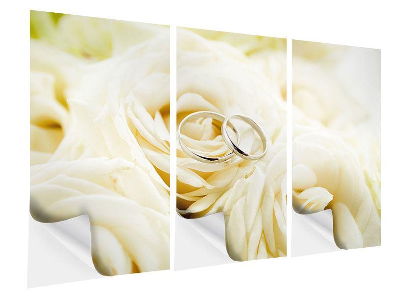 Klebeposter 3-teilig Trauringe auf Rosen gebettet