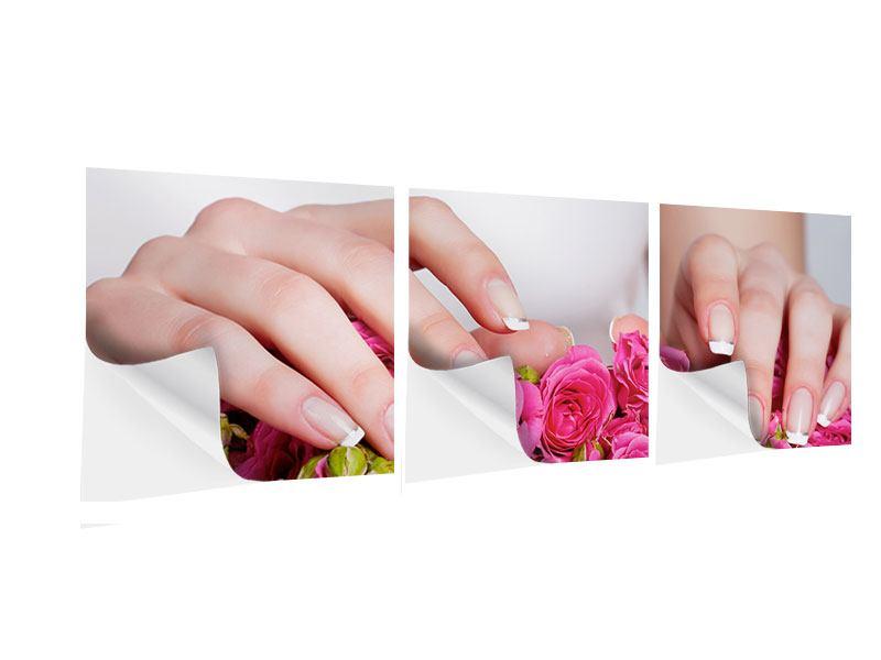 Panorama Klebeposter 3-teilig Hände auf Rosen gebettet