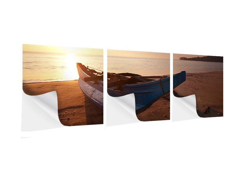 Panorama Klebeposter 3-teilig Das gestrandete Boot
