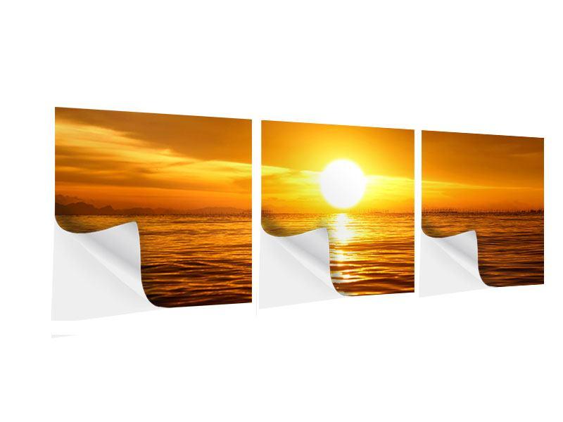 Panorama Klebeposter 3-teilig Glühender Sonnenuntergang am Wasser