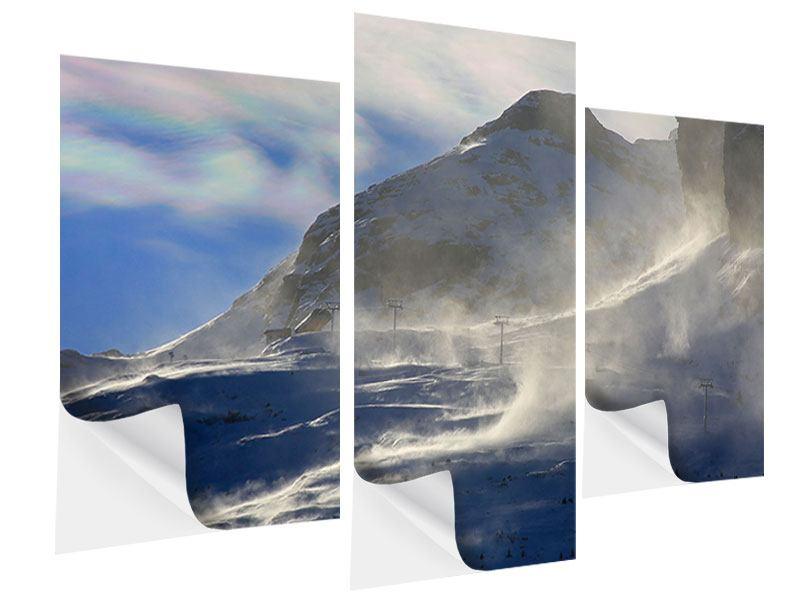 Klebeposter 3-teilig modern Mit Schneeverwehungen den Berg in Szene gesetzt