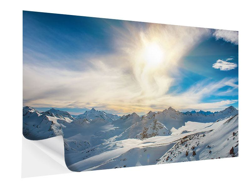 Klebeposter Über den verschneiten Gipfeln