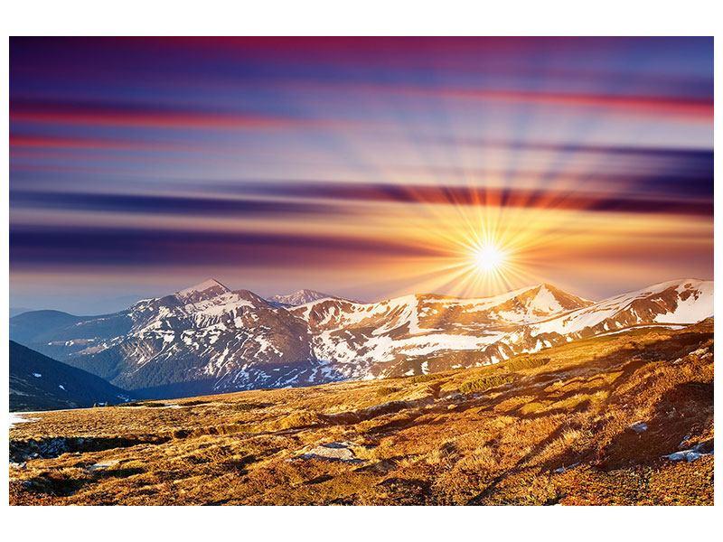 Klebeposter Majestätischer Sonnuntergang am Berggipfel