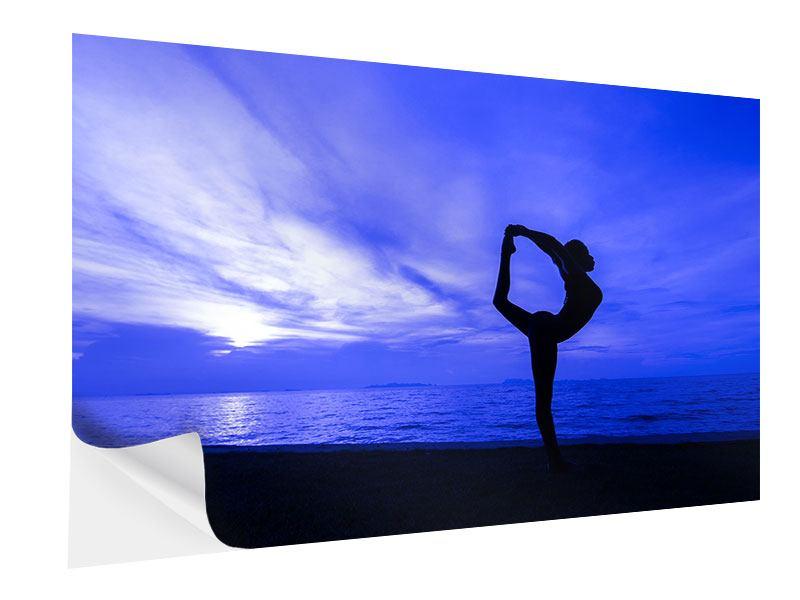 Klebeposter Yogaübung am Strand