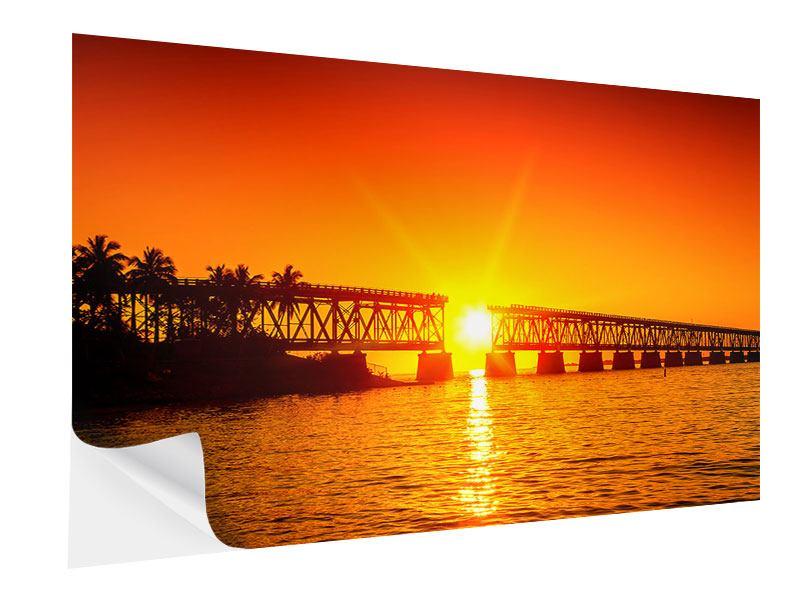 Klebeposter Sonnenuntergang an der Brücke