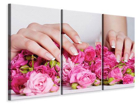 Leinwandbild 3-teilig Hände auf Rosen gebettet