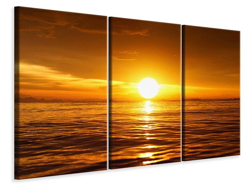 Leinwandbild 3-teilig Glühender Sonnenuntergang am Wasser