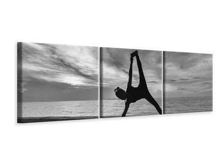 Panorama Leinwandbild 3-teilig Yoga am Strand