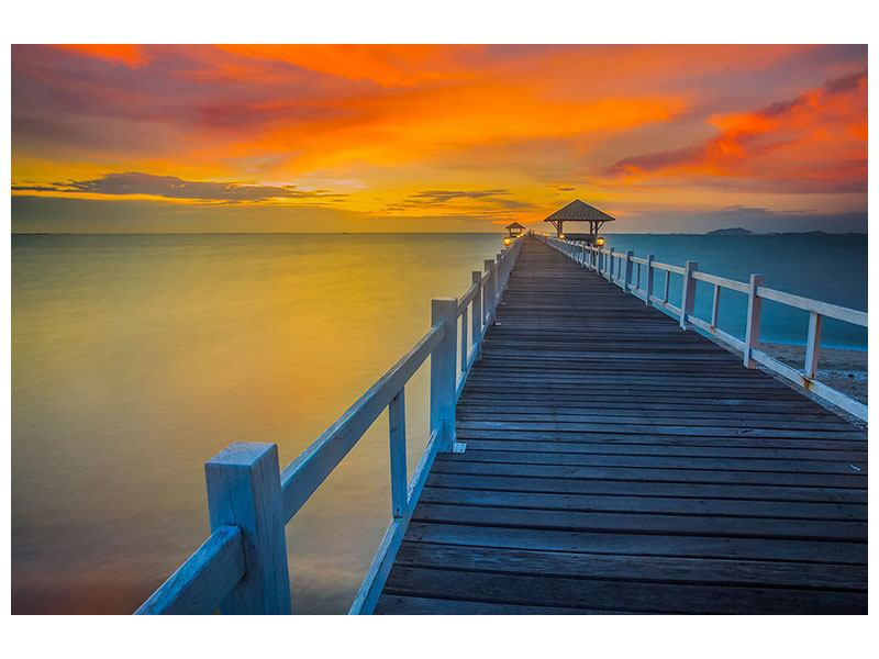 Leinwandbild Eine Holzbrücke im fernen Osten