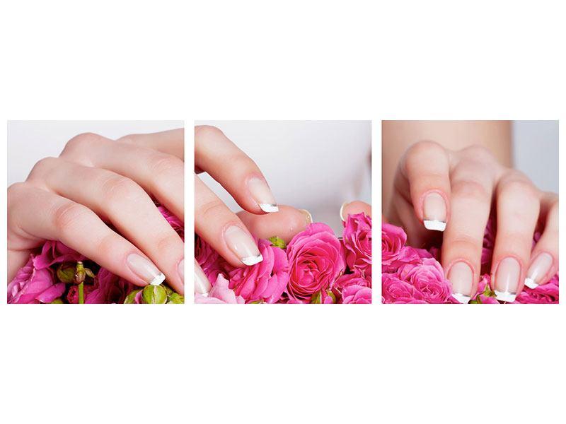 Panorama Metallic-Bild 3-teilig Hände auf Rosen gebettet