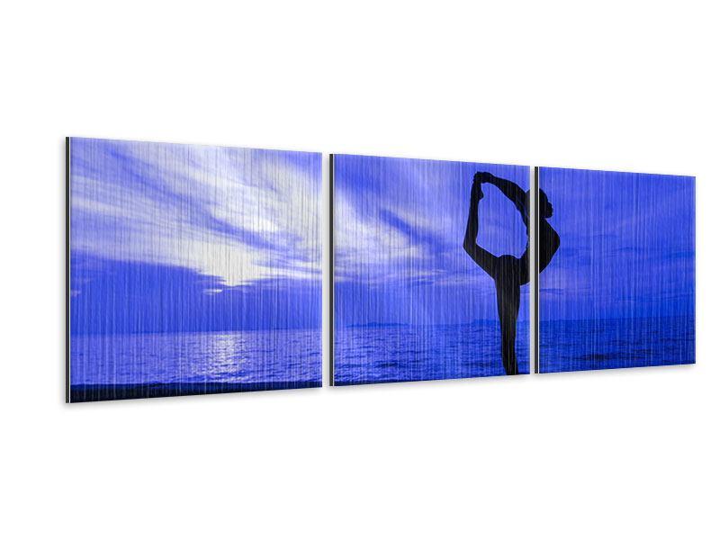 Panorama Metallic-Bild 3-teilig Yogaübung am Strand