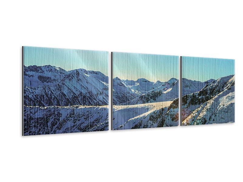 Panorama Metallic-Bild 3-teilig Sonnige Berggipfel im Schnee