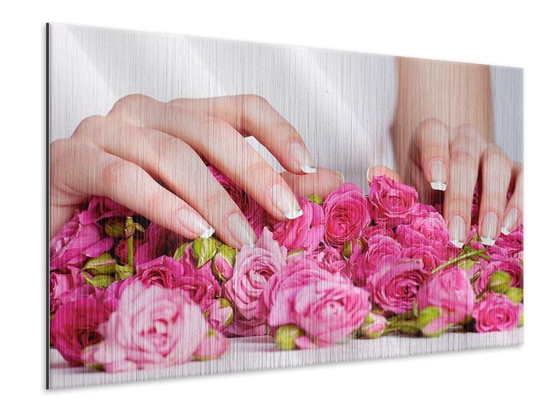 Metallic-Bild Hände auf Rosen gebettet