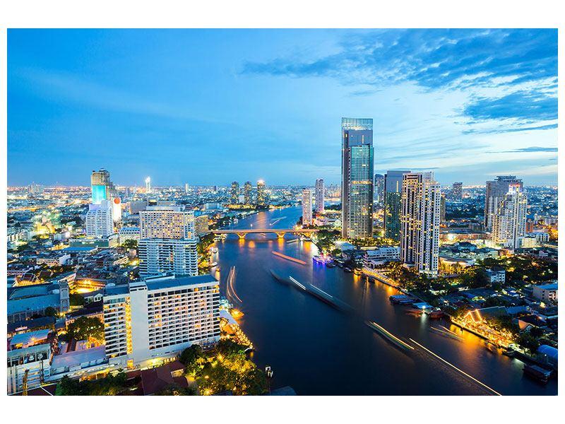 Metallic-Bild Skyline Bangkok in der Abenddämmerung