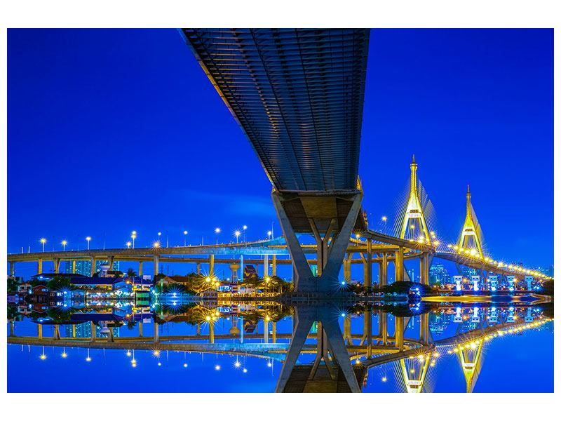 Metallic-Bild Bhumiboll-Brücke