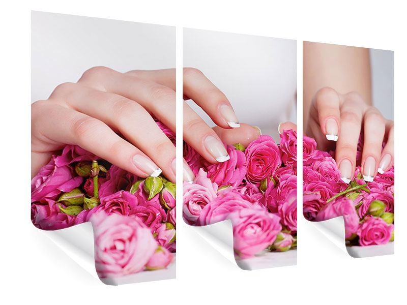 Poster 3-teilig Hände auf Rosen gebettet