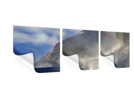 Panorama Poster 3-teilig Mit Schneeverwehungen den Berg in Szene gesetzt