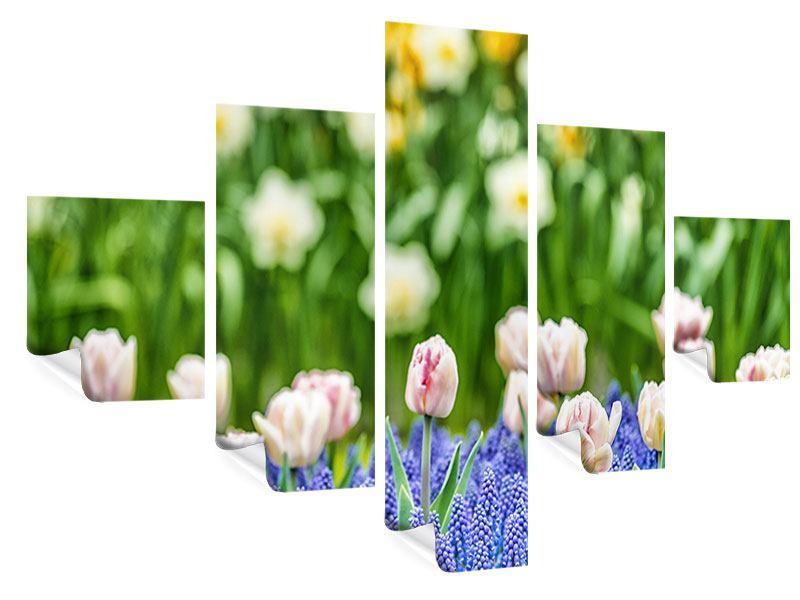 Poster 5-teilig Ein Garten mit Tulpen